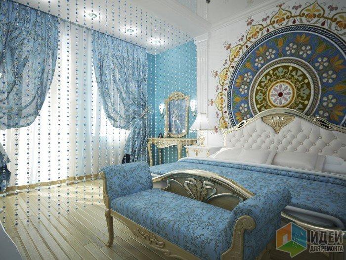 Голубые шторы в спальной