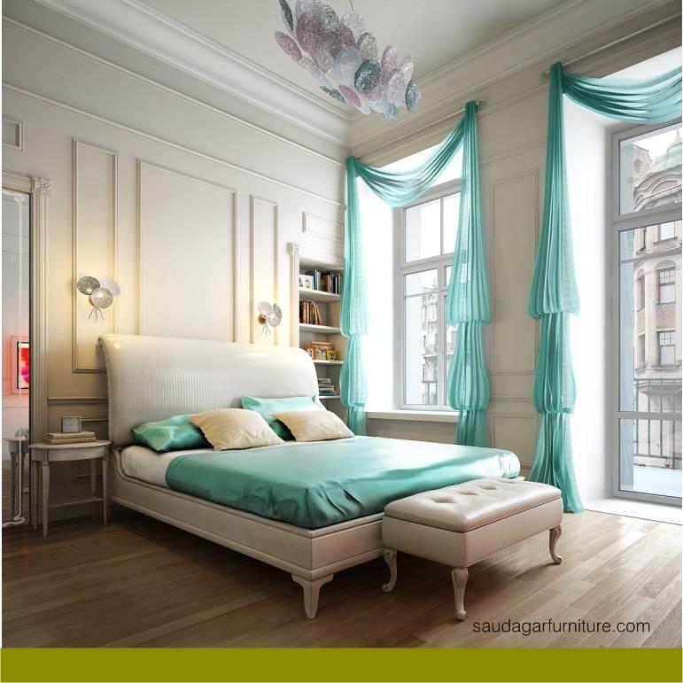 оформление легкими шторами спальни