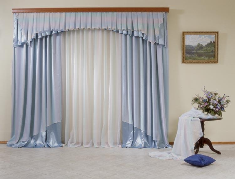 Светло-голубые шторы