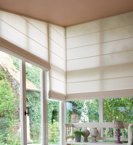 Нестандартные окна — особенности выбора портьер
