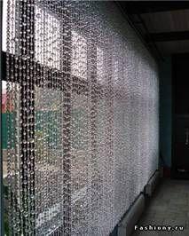 декоративные шторы в интерьере из бусин